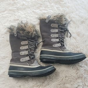 Sorel Joan of artic weatherproof boots size 7